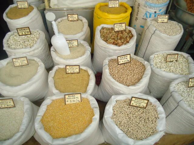Η διανομή τροφίμων σε άπορους θα μπορούσε να ενισχύει την τοπική παραγωγή και την κοινωνική επιχειρηματικότητα