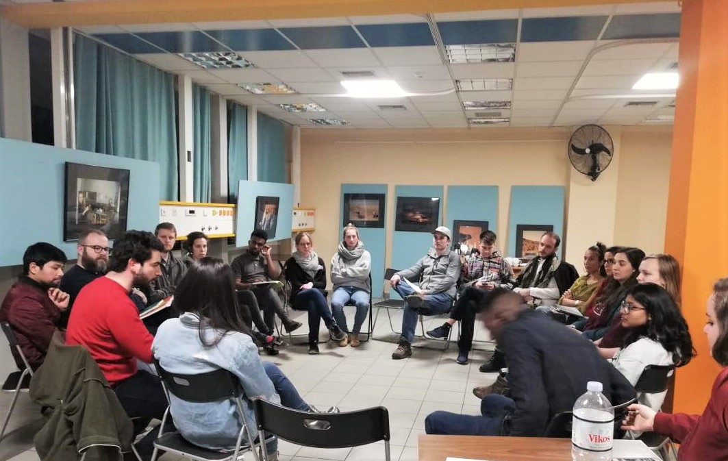 Συζητώντας για τις ανάγκες και τα ζητήματα των προσφύγων στην Ελλάδα