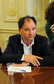 Άνεμος Ανανέωσης: στερνό αντίο στον Ανδριανό Μιχάλαρο, πρόεδρο του Βιοτεχνικού Επιμελητηρίου Πειραιά που έφυγε ξαφνικά…
